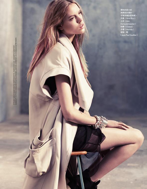 Съёмка: Йосефин Родерманс для тайваньского Vogue. Изображение № 8.