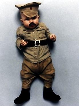 Коллекция костюмов мировых диктаторов для детей. Изображение № 2.