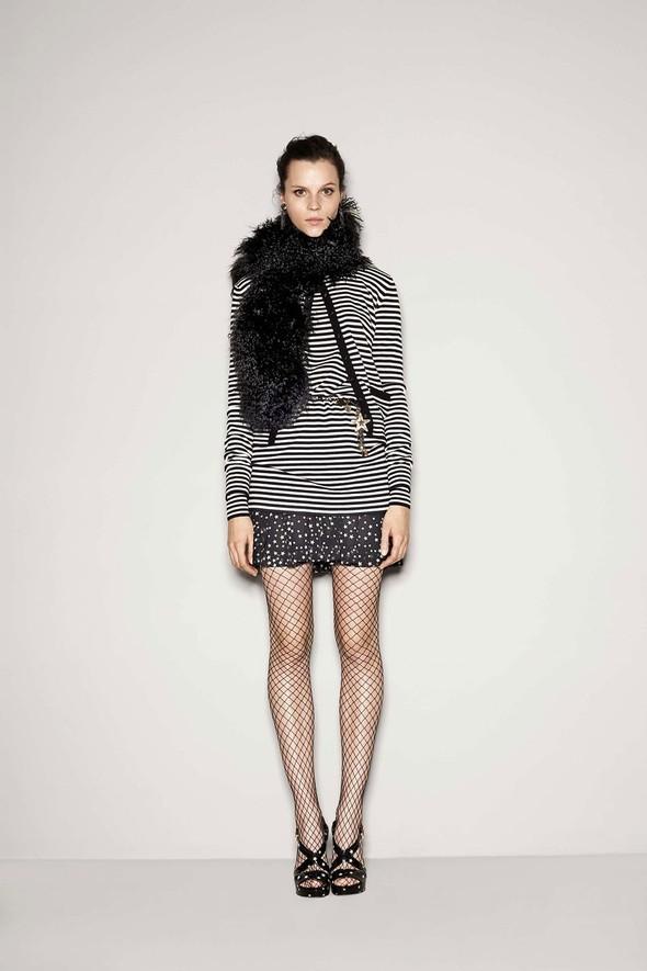 Лукбук: Dolce & Gabbana FW 2011 Women's. Изображение № 43.