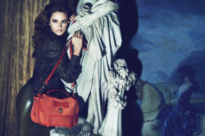 Balenciaga, Jill Stuart и Loewe показали новые кампании. Изображение № 25.
