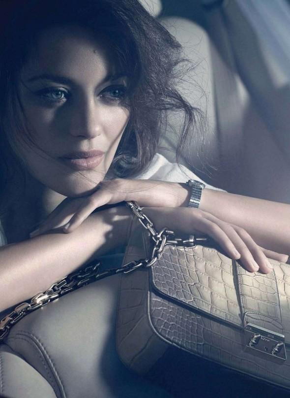 Марион Котийяр в новой рекламе Dior. Изображение № 1.