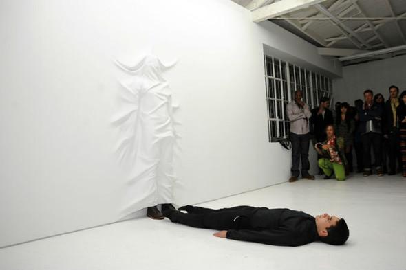10 художников, создающих оптические иллюзии. Изображение №115.