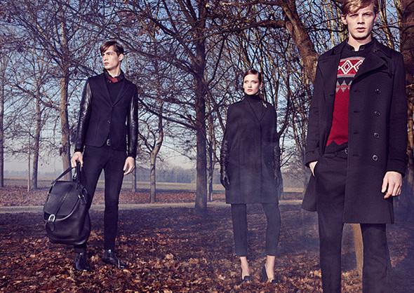 Кампании: Dior, Versace, Gucci и Burberry. Изображение № 27.