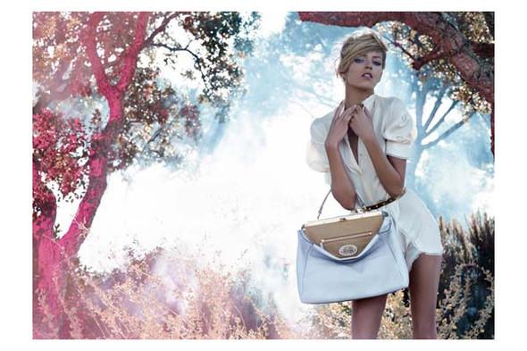 Новые рекламные кампании: Fendi, Mango, McQueen, Hermes. Изображение № 5.