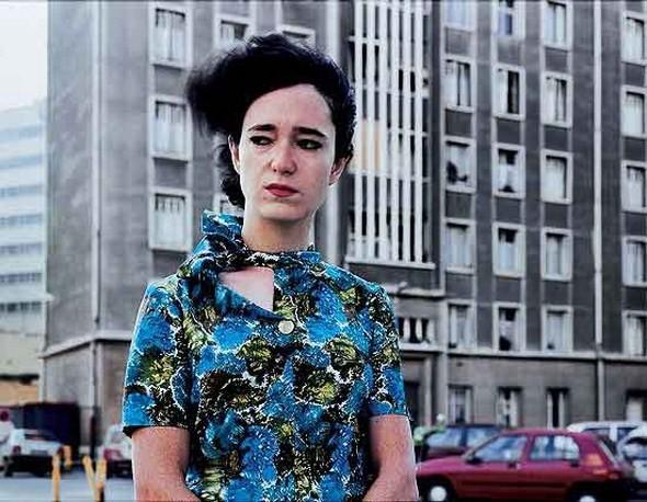 Валери Жув объединяет урбанистический пейзаж и экспрессивные портреты. Изображение № 10.