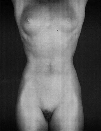Части тела: Обнаженные женщины на фотографиях 70х-80х годов. Изображение № 26.