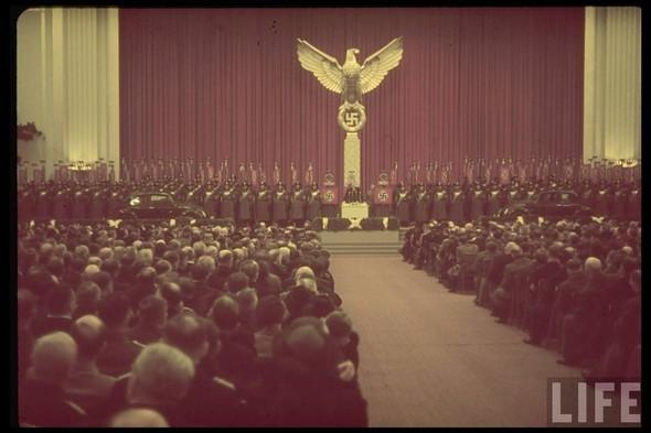 100 цветных фотографий третьего рейха. Изображение №53.