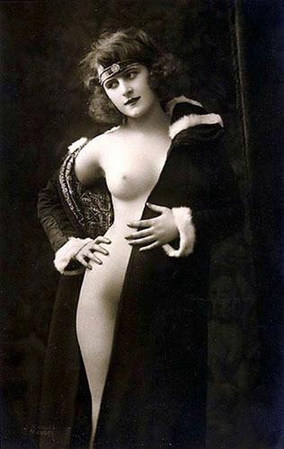 Части тела: Обнаженные женщины на винтажных фотографиях. Изображение №20.