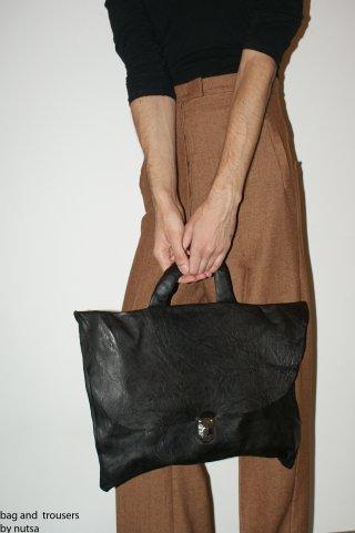 Nutsa Modebadze – Nice toMeet U, Bags. Изображение № 4.