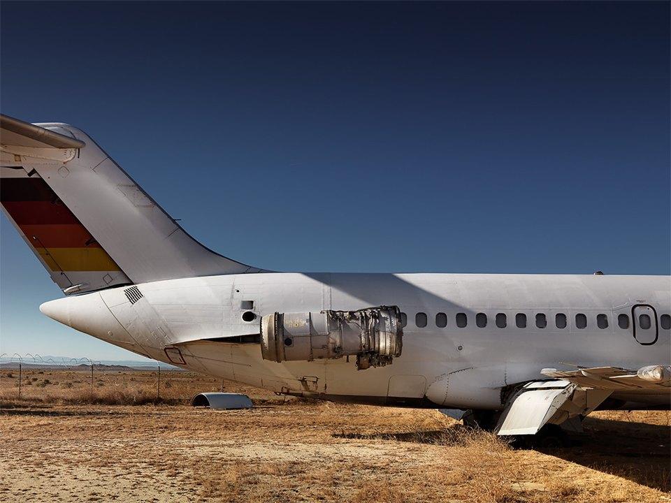 Кладбище самолётов  в выжженной пустыне . Изображение № 20.