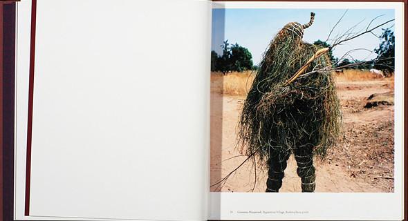 12 альбомов фотографий непривычной Африки. Изображение № 64.