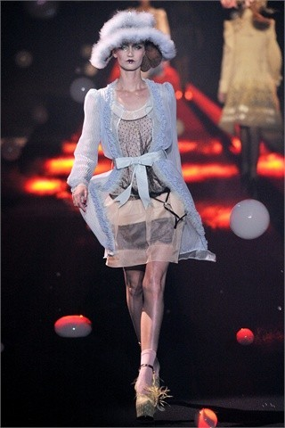 John Galliano Spring-Summer 2010. Изображение № 7.