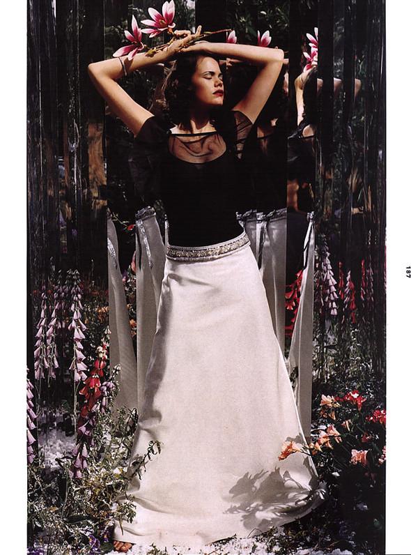 Архивная съёмка: Тим Уокер для Harper's Bazaar, 2000. Изображение № 2.