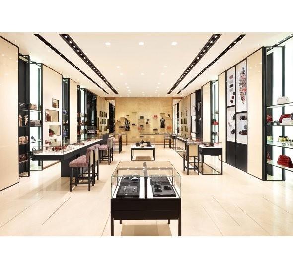 Новые магазины: Louis Vuitton в Риме, Chanel в Москве и Celine в Нью-Йорке. Изображение № 23.