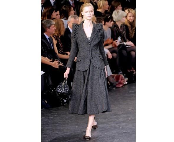 Можно все: Модели на показе Louis Vuitton. Изображение № 9.
