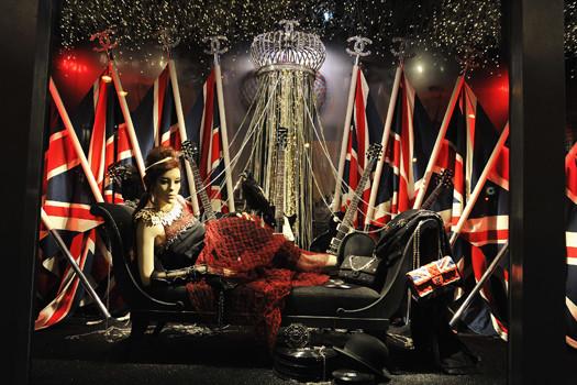 10 праздничных витрин: Робот в Agent Provocateur, цирк в Louis Vuitton и другие. Изображение № 6.