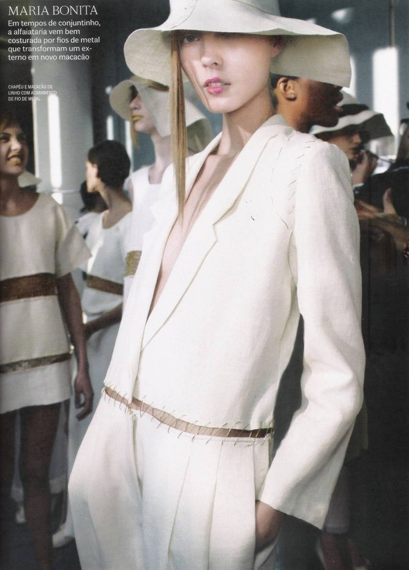 Съёмка: фотографии с бэкстейджей в бразильском Vogue. Изображение № 12.