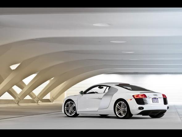 Audi R8 5. 2 FSIquattro. Изображение № 8.