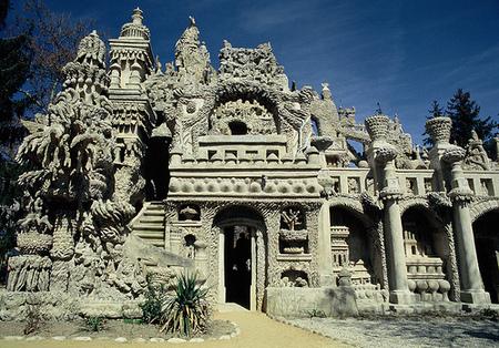 Дворец, построенный почтальоном инсталляция XIXвека. Изображение № 7.