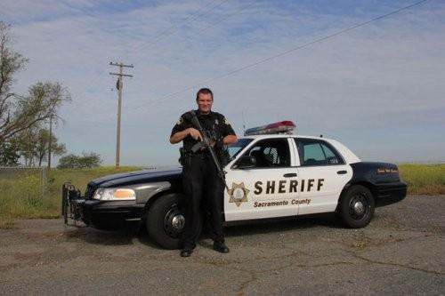 Один день из жизни американского шерифа. Изображение № 10.
