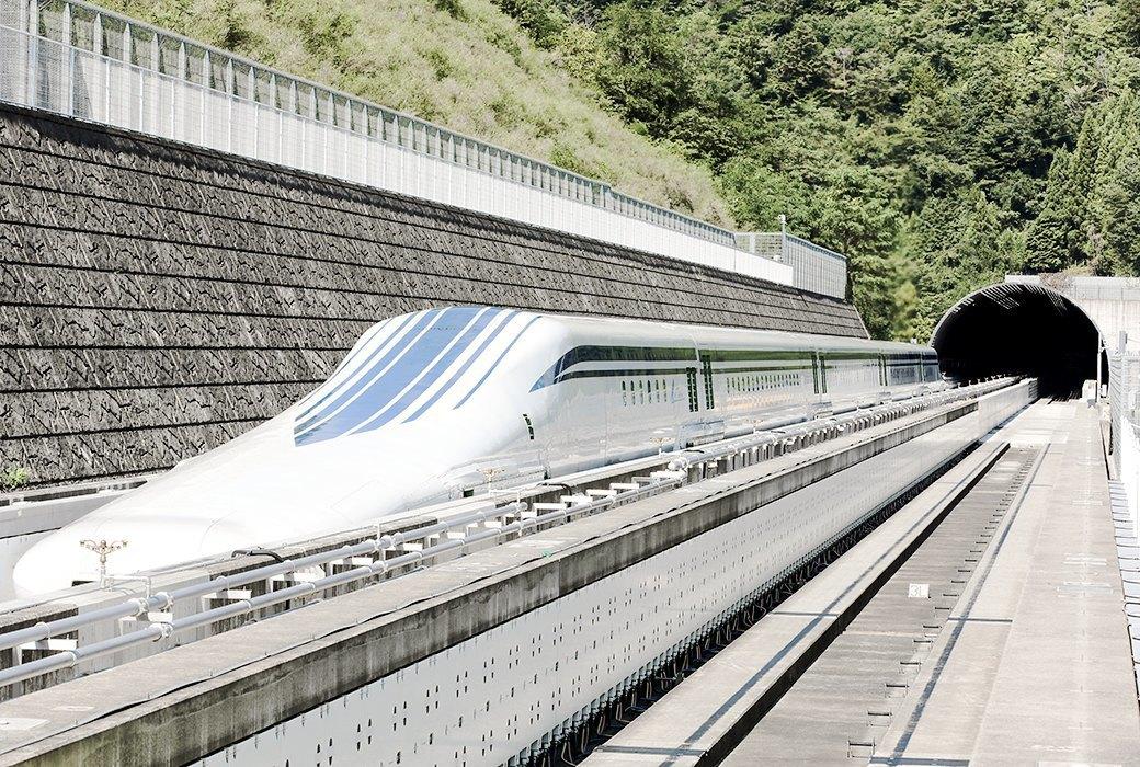 Мы успели заснять самый быстрый поезд в мире. Изображение № 3.