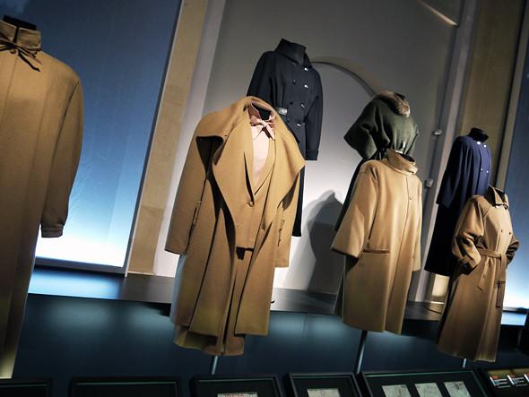 Выставка: «Пальто! Max Mara, 60 лет итальянской моды». Изображение № 7.
