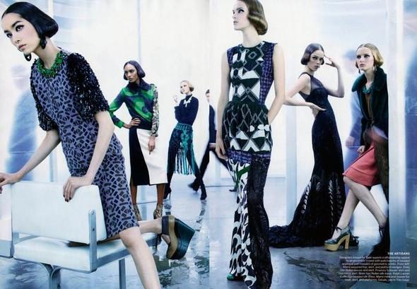 Съёмка: Стивен Майзел для Vogue. Изображение № 2.