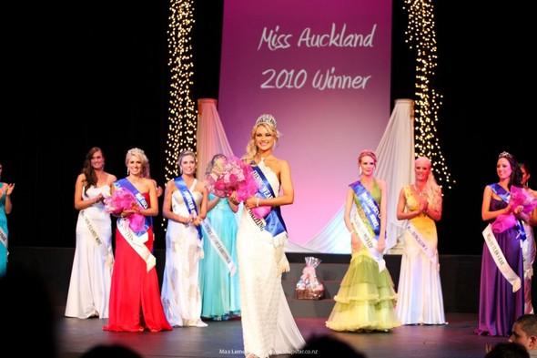 Самые красивые девушки Новой Зеландии. Изображение № 28.
