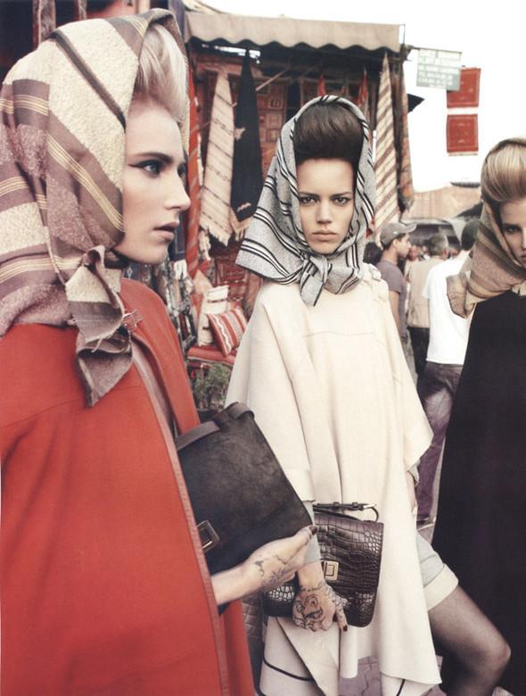 Марокканские каникулы(Vogue Paris'10). Изображение № 5.