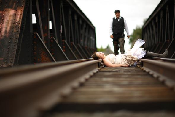 Trash the Dress: смерть свадебному платью!. Изображение № 34.