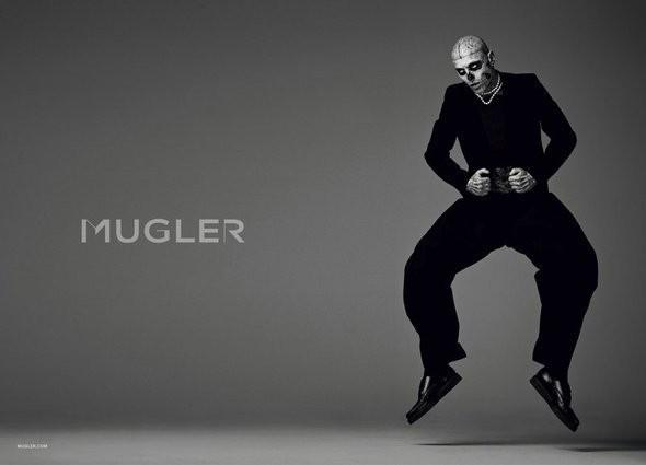 Изображение 6. Мужские рекламные кампании: Mugler, Versace и другие.. Изображение № 25.