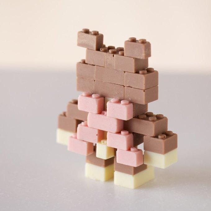 Японский дизайнер сделал LEGO из шоколада . Изображение № 8.