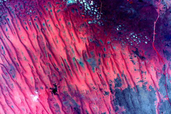 Астронавт выложил абстрактные фотографии Австралии с орбиты. Изображение № 2.