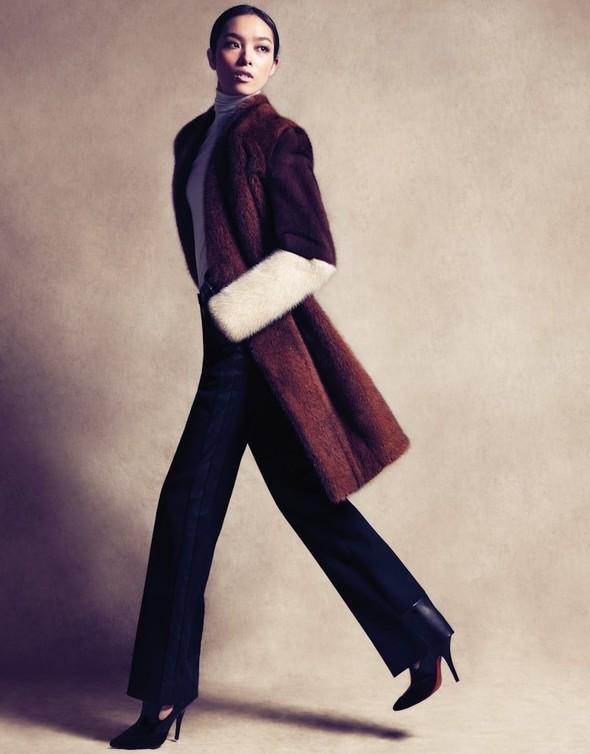Съёмка: Сунь Фэй Фэй и Мин Си в Celine для Vogue. Изображение № 3.