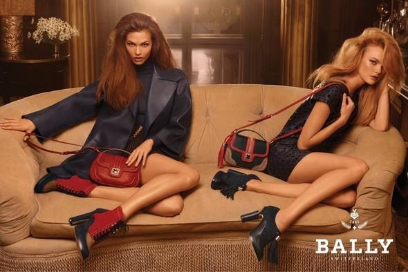 Кампания: Карли Клосс и Каролина Трентини для Bally. Изображение № 3.