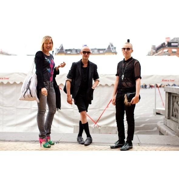 Луки с недель моды в Копенгагене и Стокгольме. Изображение № 21.