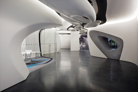 Дизайн-дайджест: Книга мифов о Бэнкси, выставка Ай Вэйвэя и арт-ярмарка FIAC в Париже. Изображение № 25.