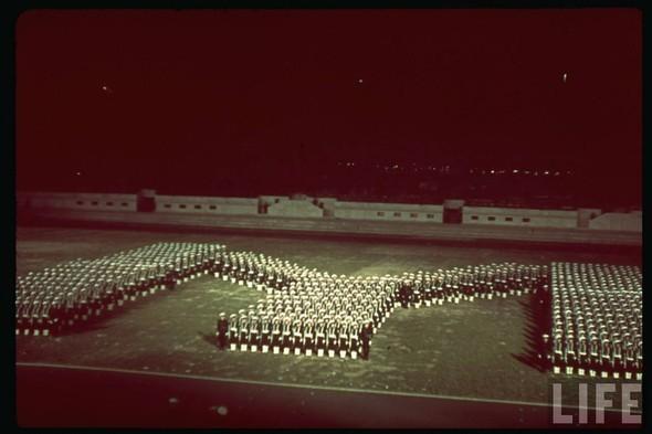 100 цветных фотографий третьего рейха. Изображение №13.