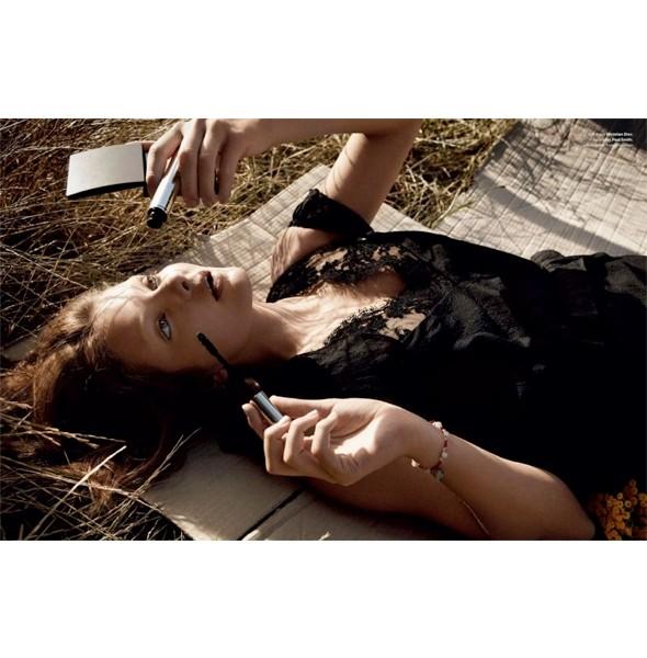 5 новых съемок: Dossier, Muse и Vogue. Изображение № 36.