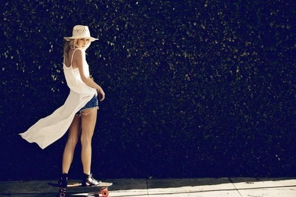 Александра Спенсер для новой коллекции Car Mar весна 2012. Изображение № 14.