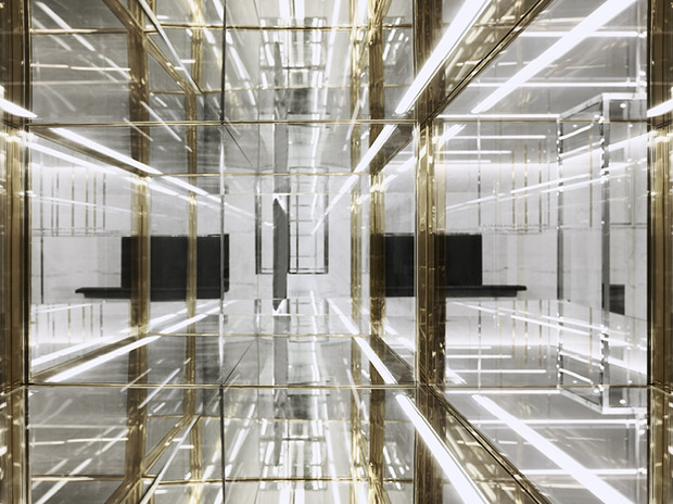 Эди Слиман разработал дизайн бутика Saint Laurent. Изображение № 2.