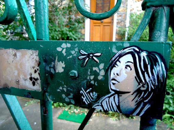 Алиса в Париже. Изображение № 3.