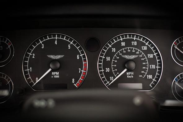 Воскрешение Aston Martin DB4 GT Zagato. Изображение № 13.