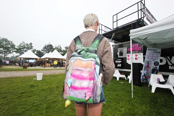Индейские перья, фуражки и перстни: Люди на фестивале Roskilde. Изображение № 13.