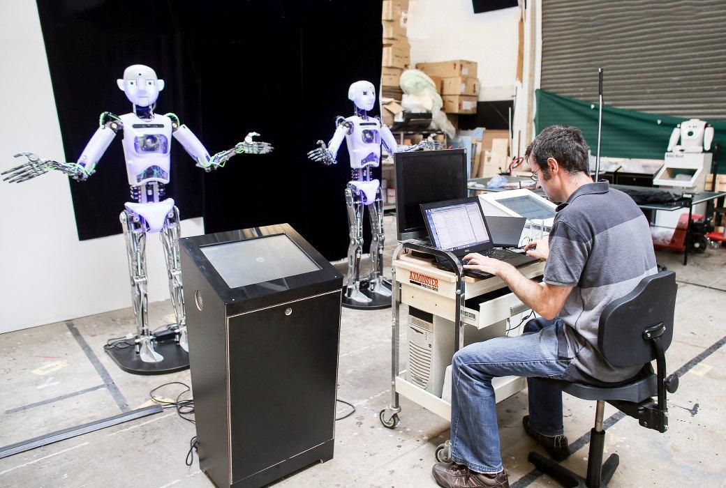 Как собирают эмоциональных андроидов, которые играют в театре. Изображение № 8.