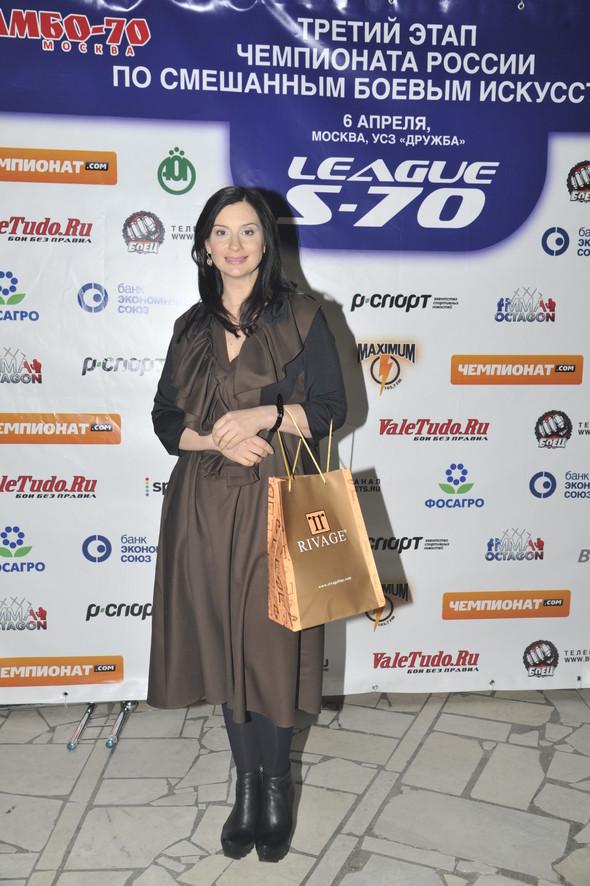 Звезды поддержали спорт на третьем этапе чемпионата России по смешанны. Изображение № 9.