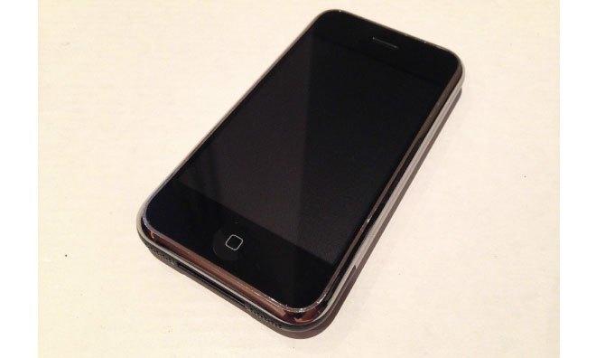 Прототип iPhone продали за 1500 долларов. Изображение № 3.