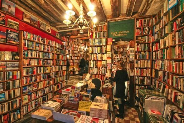Самые необычные книжные магазины. Изображение № 2.