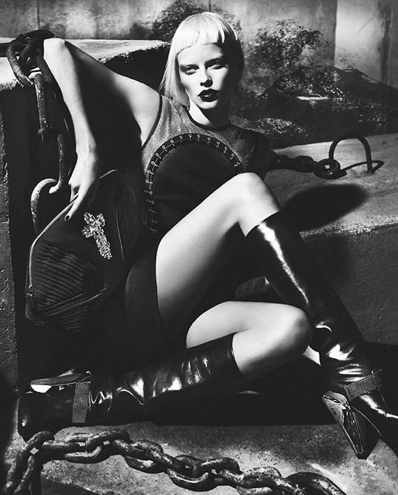 Кампании: Dior, Versace, Gucci и Burberry. Изображение № 39.