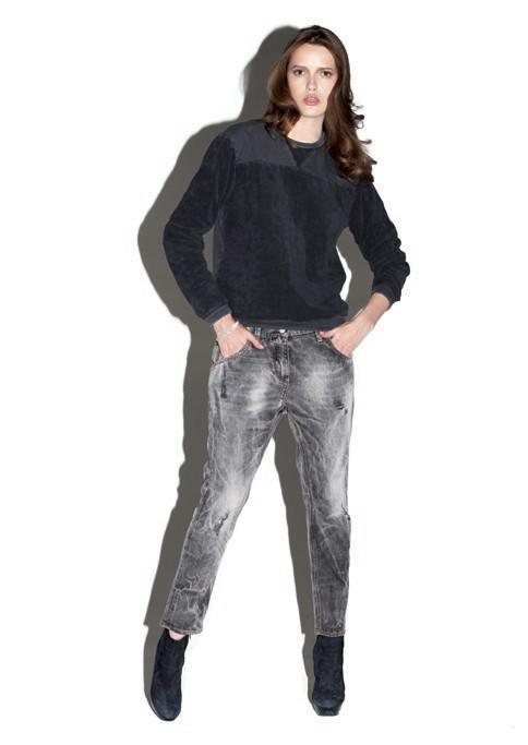2 Men Jeans, Two Women In The World – идеальная пара найдена. Изображение № 11.